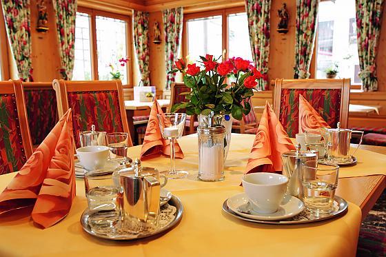 restaurant cafe biergarten bad t lz. Black Bedroom Furniture Sets. Home Design Ideas